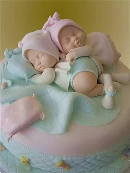 這些娃 娃 蛋糕怎麼捨得 吃它呢 ! 呵呵